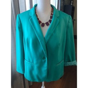 {The Limited} Mint Green 3/4 Sleeve Blazer